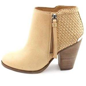 COACH Nude Heidi Leather Stacked Ankle Bootie sz 8